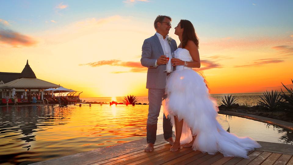 robe de mariage plage bustier courte devant longue derrière